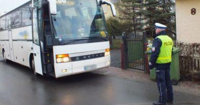 Policja zaprasza na kontrole autokarów