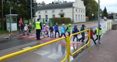 Bezpieczeństwo na drodze. Policja organizuje zajęcia dla dzieci