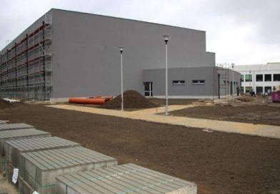 Budują halę sportową w Chotomowie